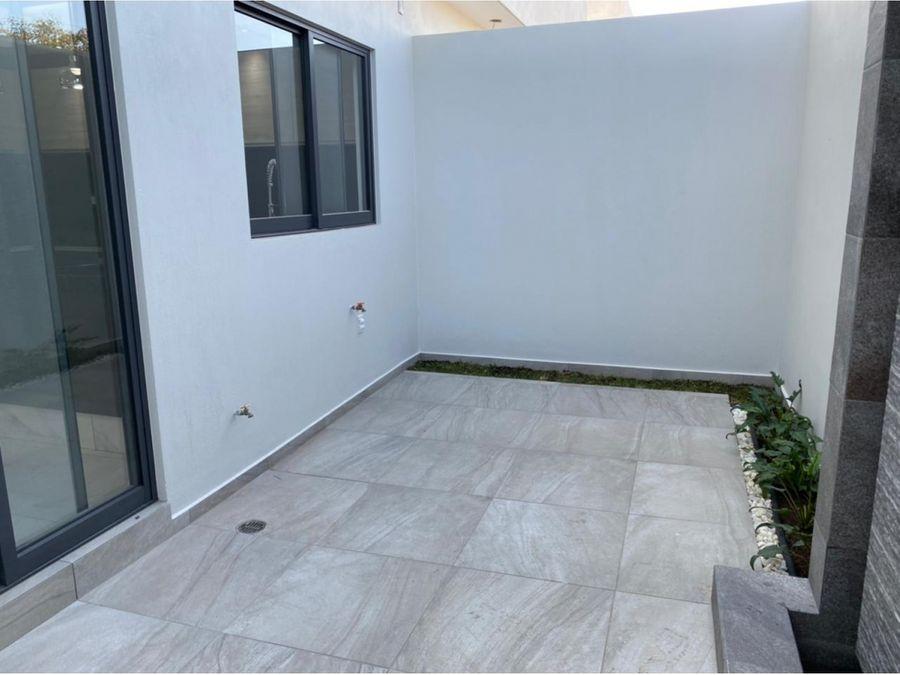 casa b 02 con roof garden frente a parque vitana