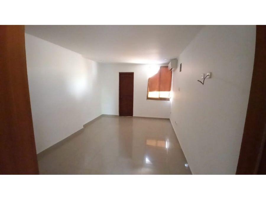 se vende casa en avenida libertador santa marta
