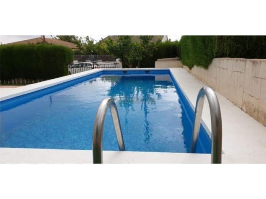 chalet con piscina y jardin en can gordei
