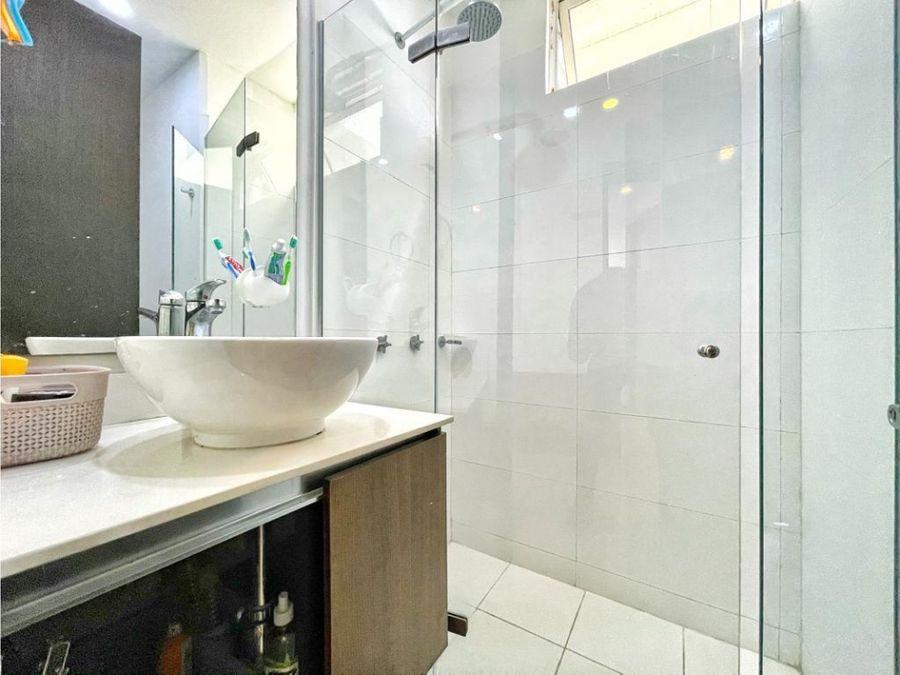venta de apartamento en manga en condominio vista bahia 3 alcobas