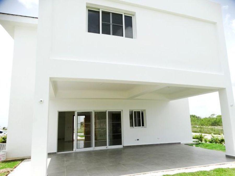 villa en venta en el boulevard turistico de bavaro punta cana 4hab