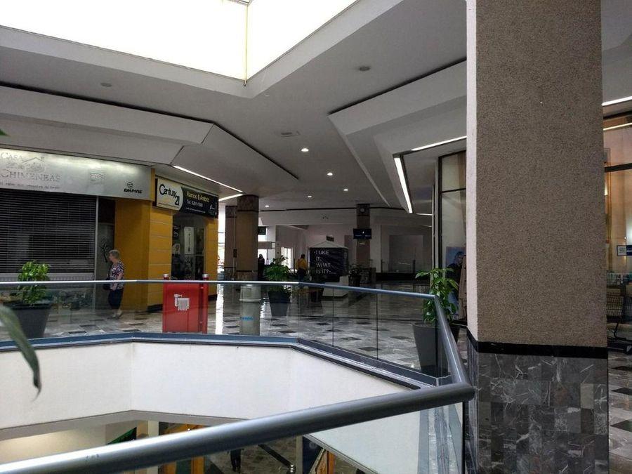 local comercial en centro comercial interlomas