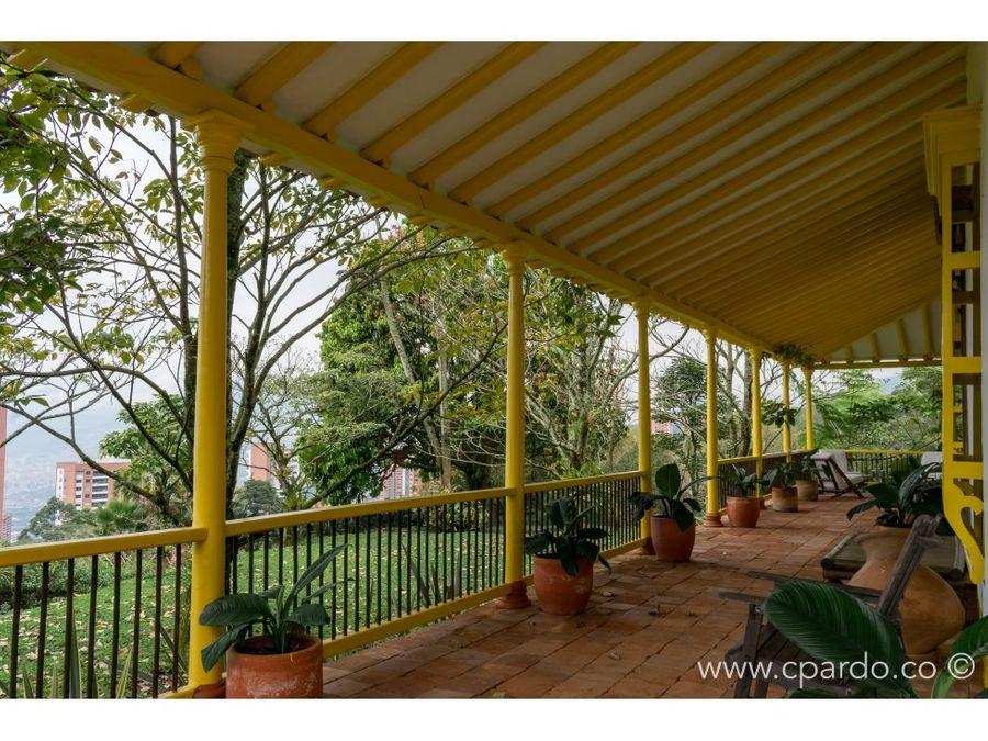 casa colonial para la venta en el poblado