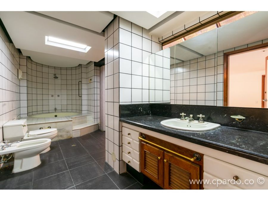apartamento con piscina privada tv inferior