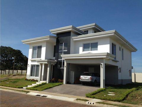 a064 alquilo hermosa casa en san antonio belen