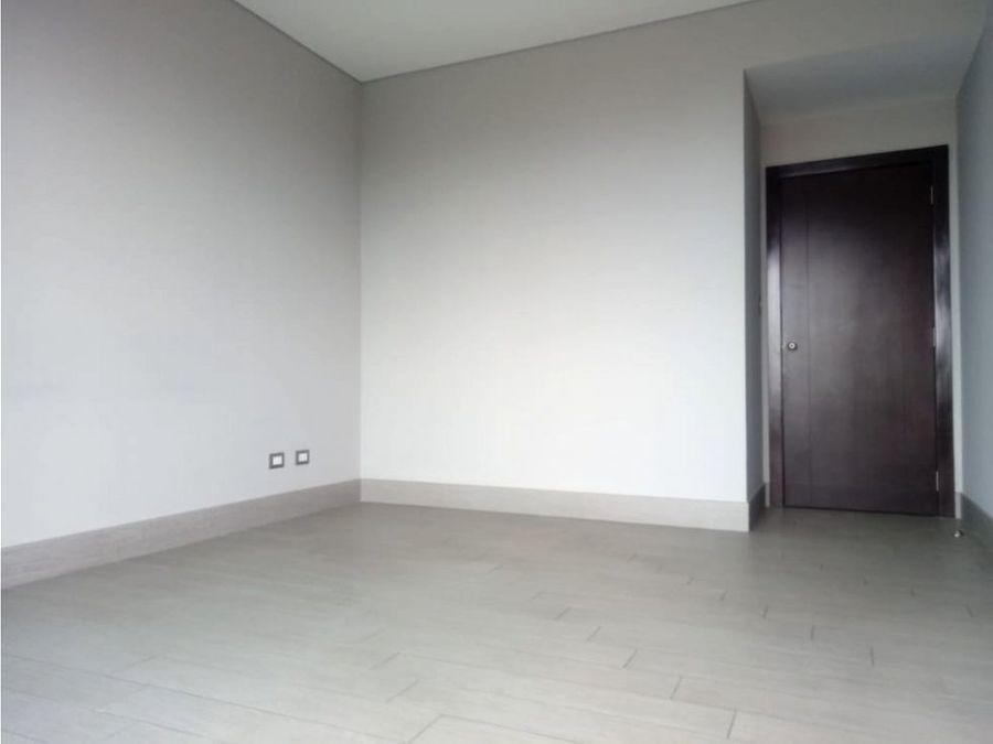 renta apartamento zona 10 por telefonica