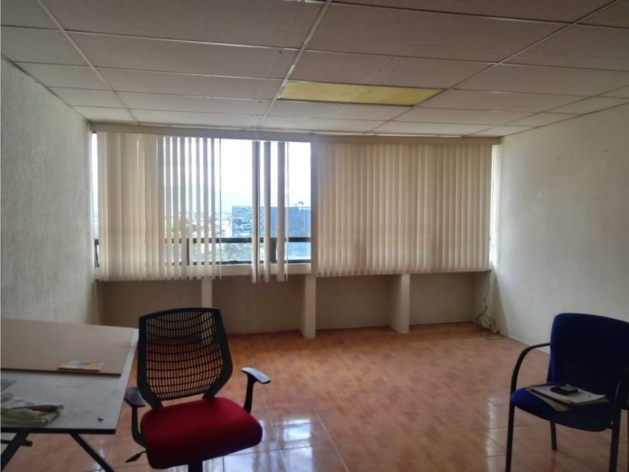 renta oficina en 12 calle zona 10