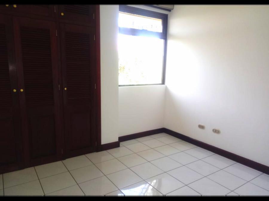 renta apartamento zona 10 por diagonal 6