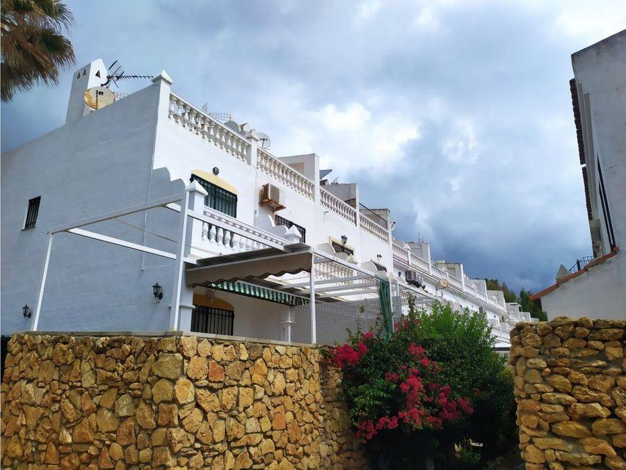 adosado 3 dormitorios primera linea playa sabinillas