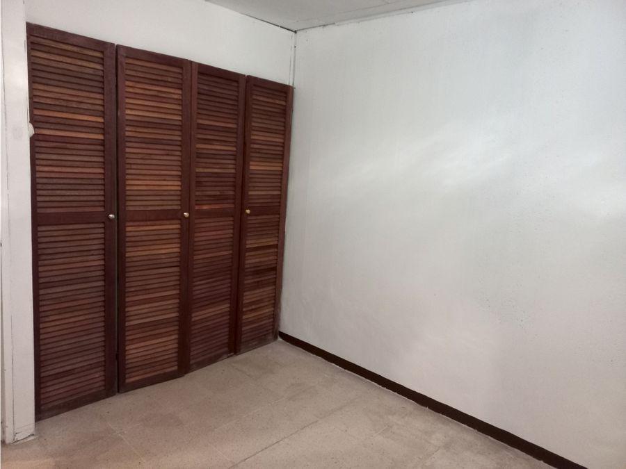 ubicacion privilegiada desamparados 3 hab patio precio negociable