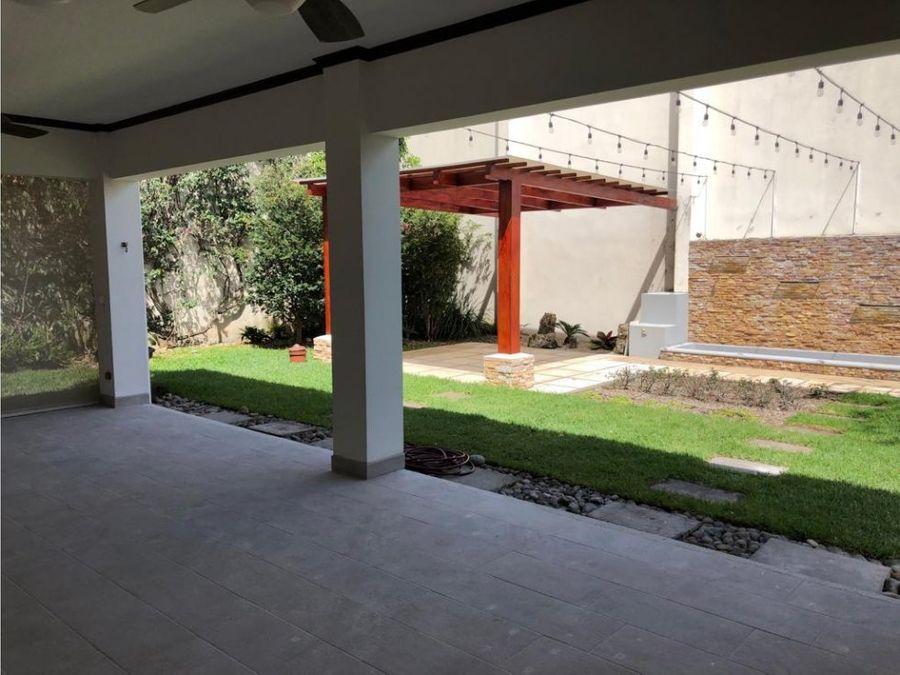 casa de lujo en lindora alta plusvalia