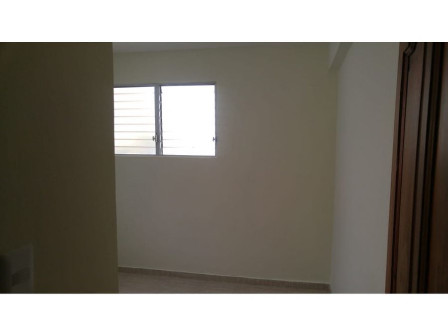alquilo apto villa marina 2do piso 1600000