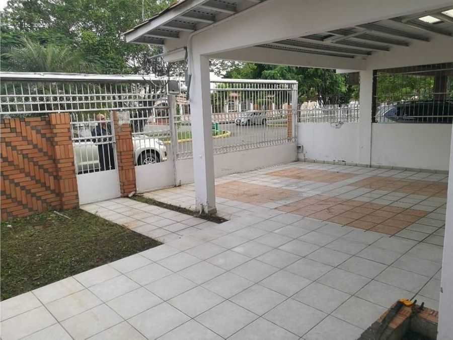 alquiler duplex para uso comercial en la fontana