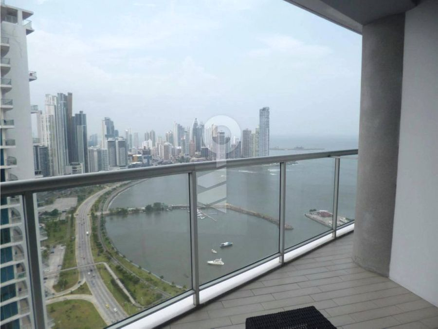 venta 2 recamaras en yacht club avenida balboa