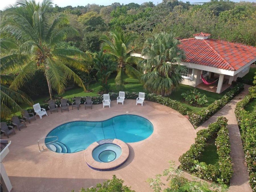 venta propiedad de playa con 4 casas en santa clara