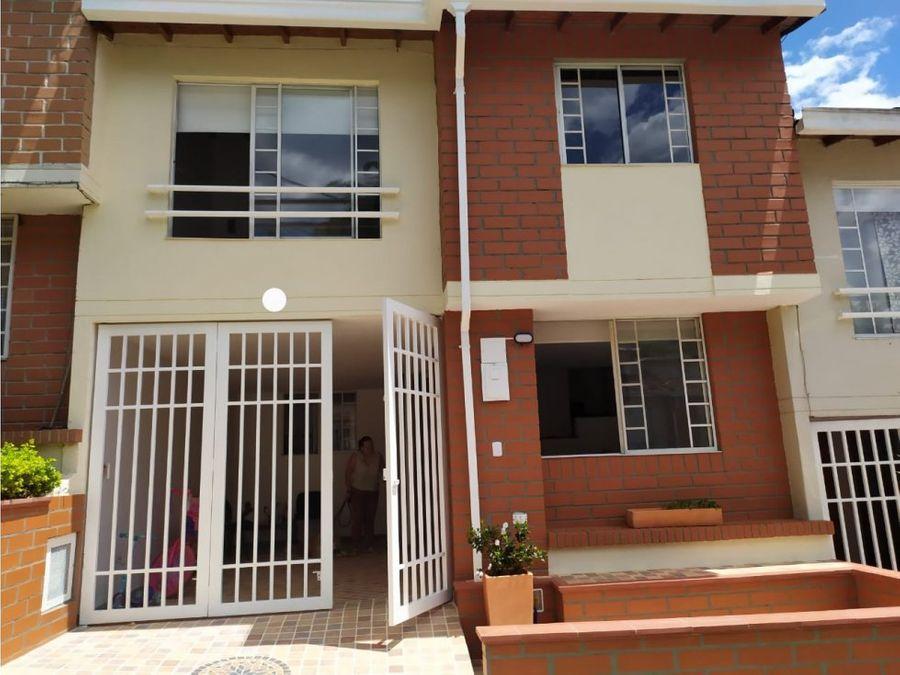 venta casa amplia y bien ubicada en envigado
