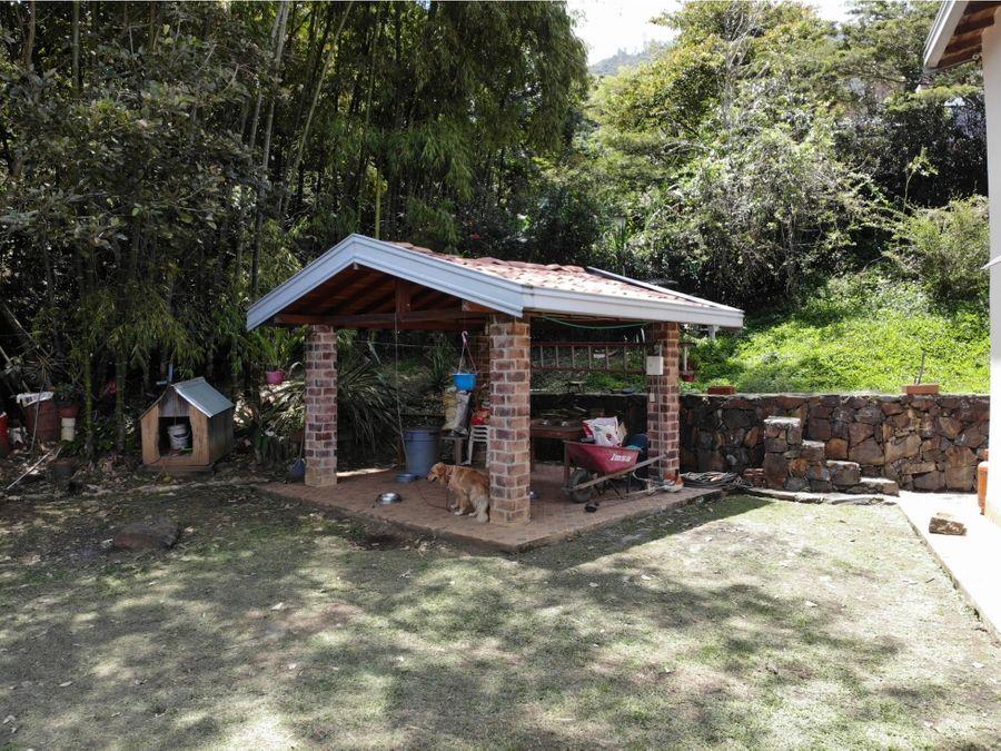 hermosa finca en copacabana ubicada en zona exclusiva