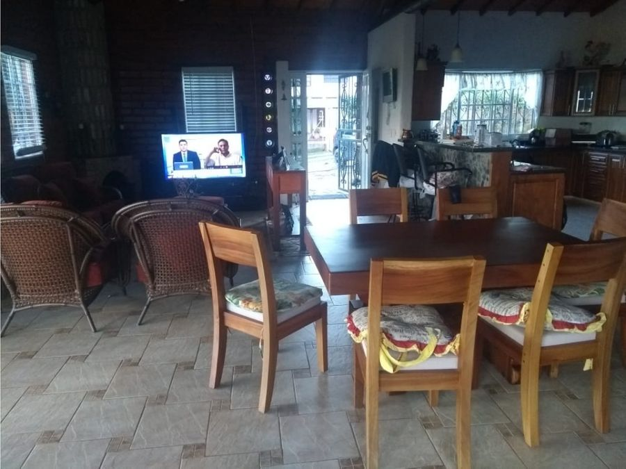acogedora finca en altos de villa roca copacabana