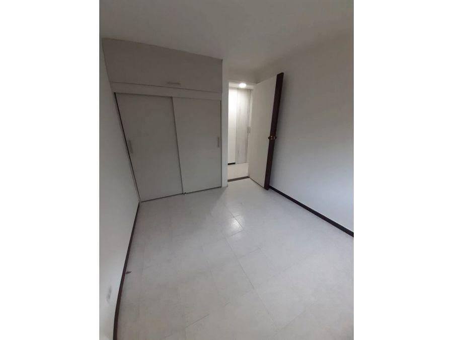 se vende lindo apartamento en cr sector suramerica