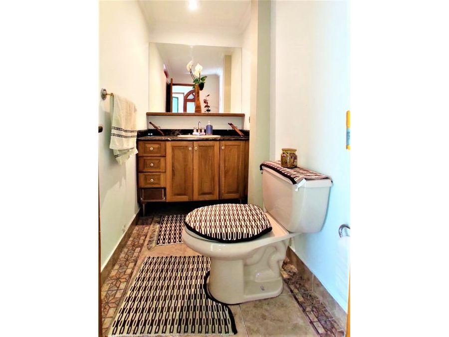vendo apartamento grande con buenos acabados en laureles