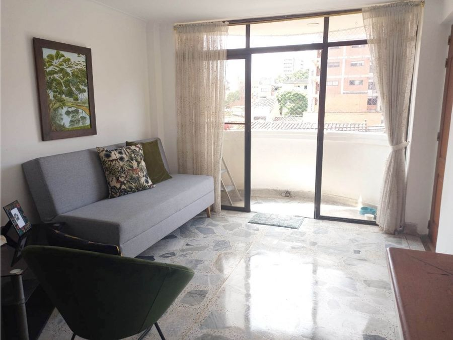 se vende agradable y simpatico apartamento en laureles