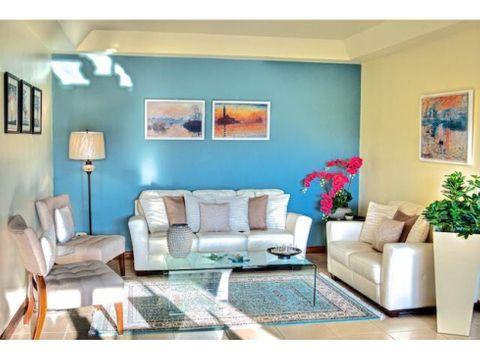 se vende apartamento en condominio la alhambra escazu