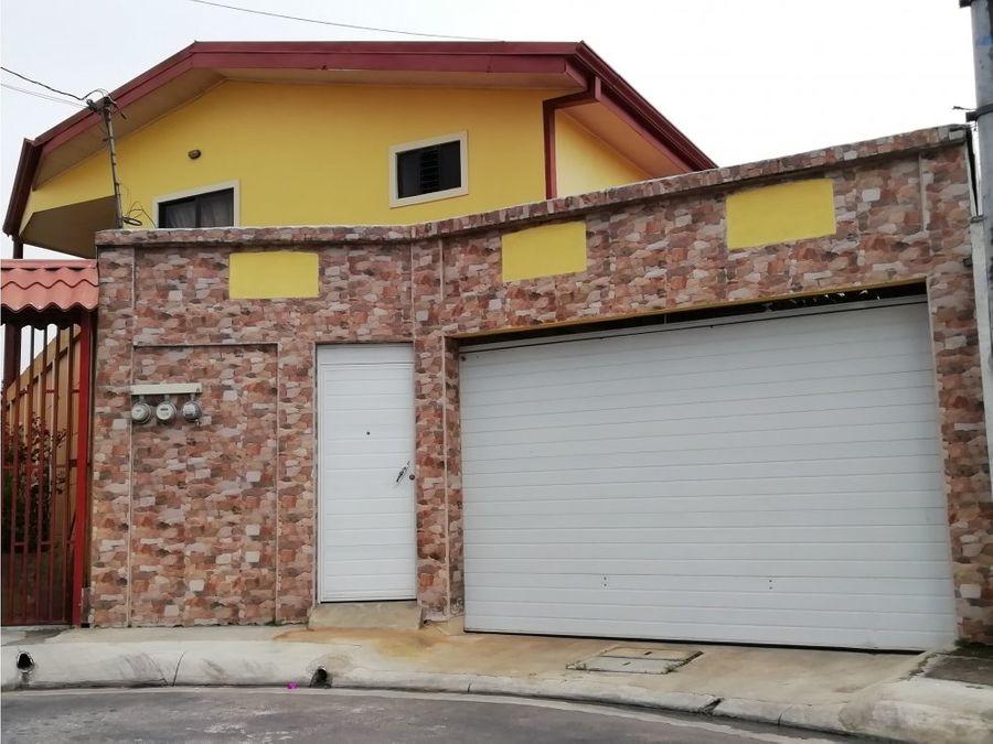 hermosa propiedad con 2 casas 1 y 20 nivel