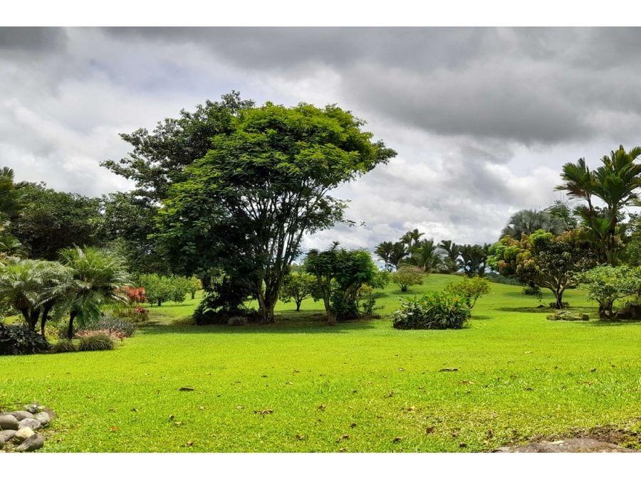 propiedad a la venta en el residencial quintas del tropico guapiles