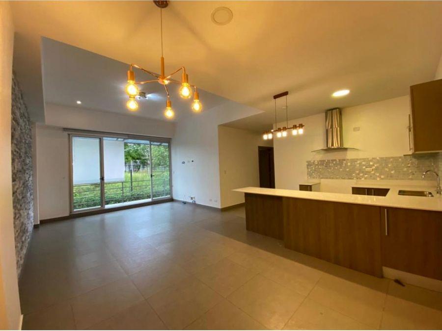amplio apartamento en alquiler pinares
