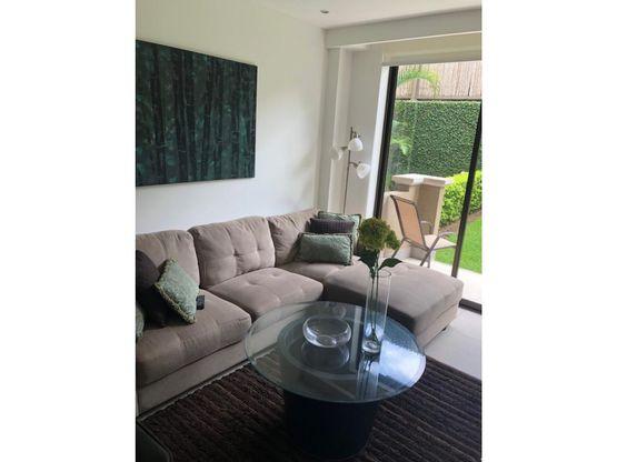 apartamento de lujo amueblado y con terraza