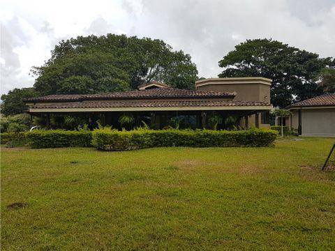 casa en llanos de santa lucia paraiso cartago