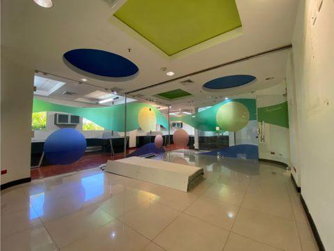 oficina de 195 m2 disponible en alquiler guachipelin norte