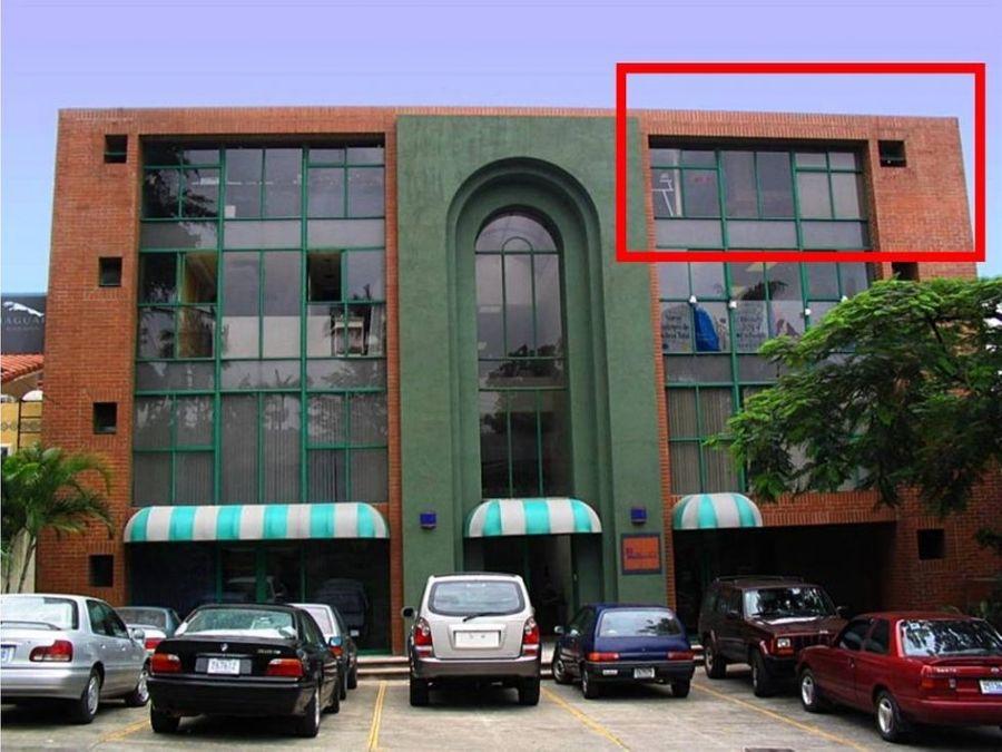 alquiler de oficina de 70 m2 en oficentro escazu