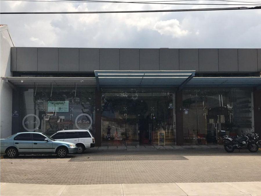 alquiler de local comercial de 150 m2 en rohrmoser