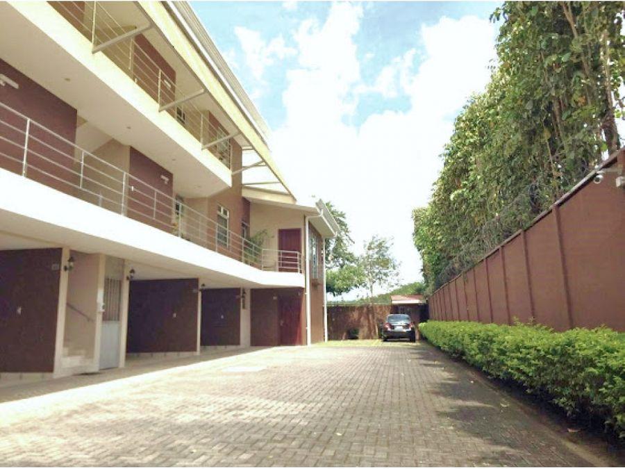 alquiler de apartamento 2 cuartos en pozos de santa ana