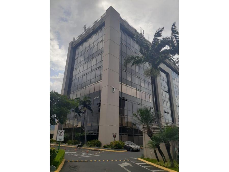 alquiler oficina de 273 m2 en oficentro la sabana