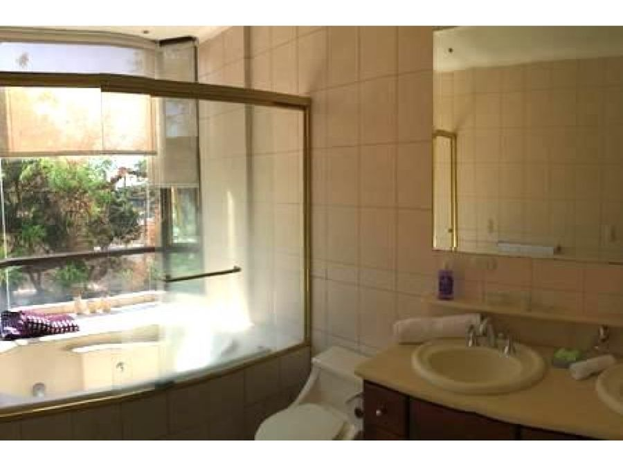 alquiler apartamento 2 cuartos con linea blanca en riverside escazu