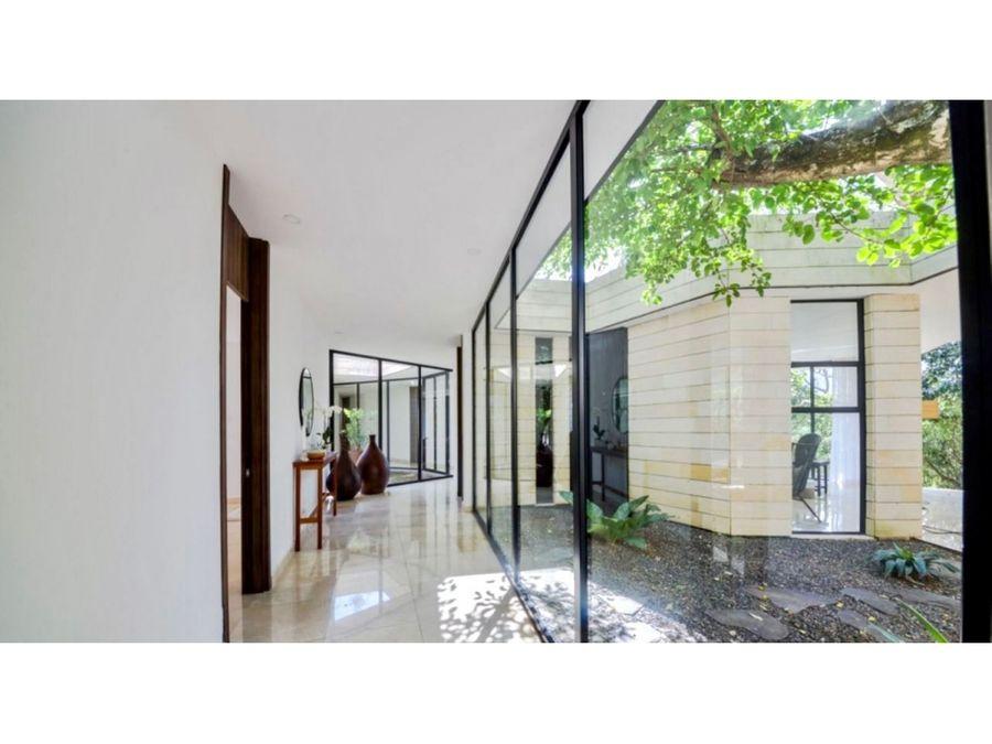 se vende casa contemporanea de una planta en lindora santa ana
