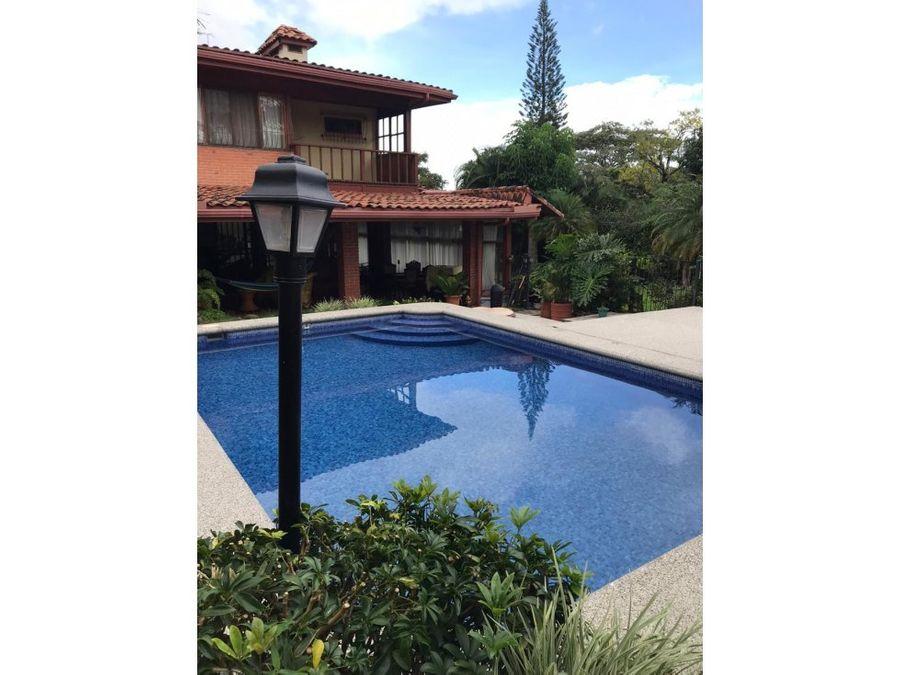 venta de casa con piscina bello horizonte