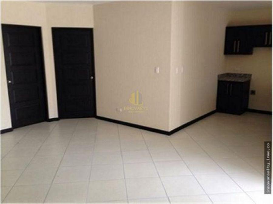 apartamento de una habitacion en alquiler santa ana centro