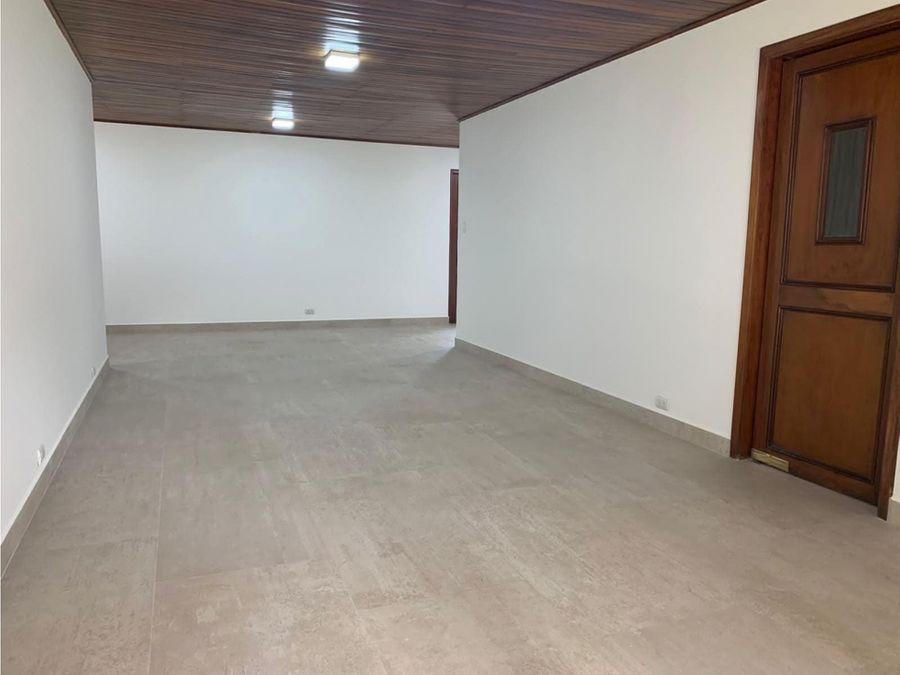 venta de casa de 3 cuartos en rohrmoser