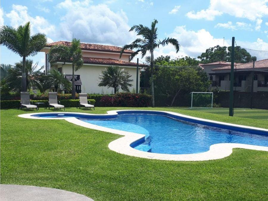 lote residencial de 619 m2 en condominio brasil de mora