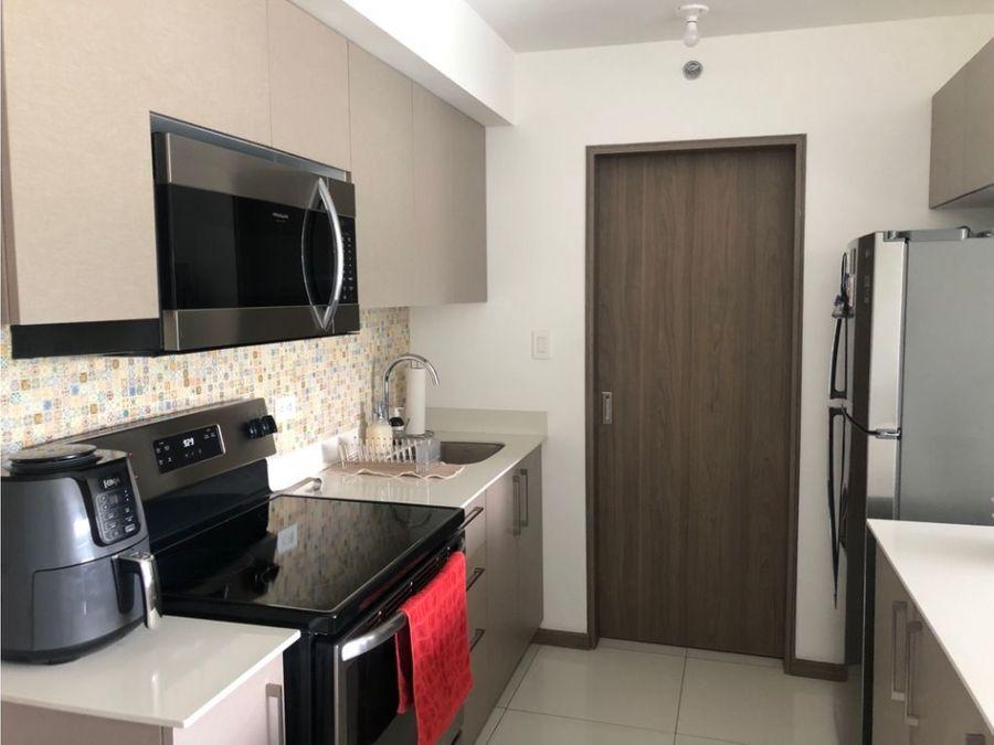 venta apartamento 2 cuartos en torre c paradisus rohrmoser