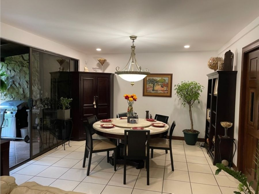 venta de casa de 3 cuartos en condominio en san rafael de escazu