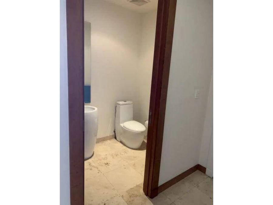 alquiler apartamento semi amoblado de 2 cuartos en metropolitan tower