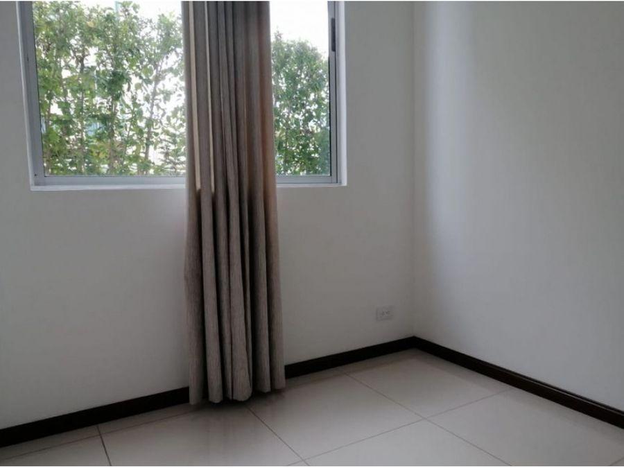 alquiler apartamento de 3 cuartos en bambu eco urbano san sebastian