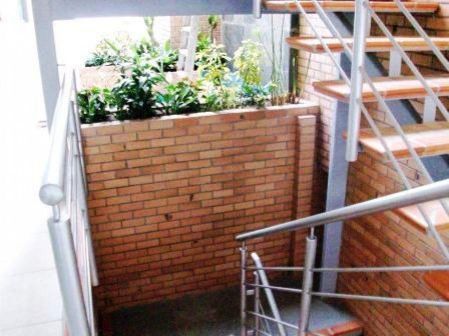oficina en cc la scala barrio obrero