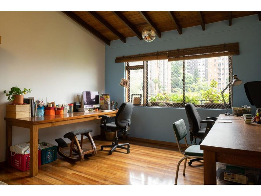 neat apartment w high ceilings in el poblado