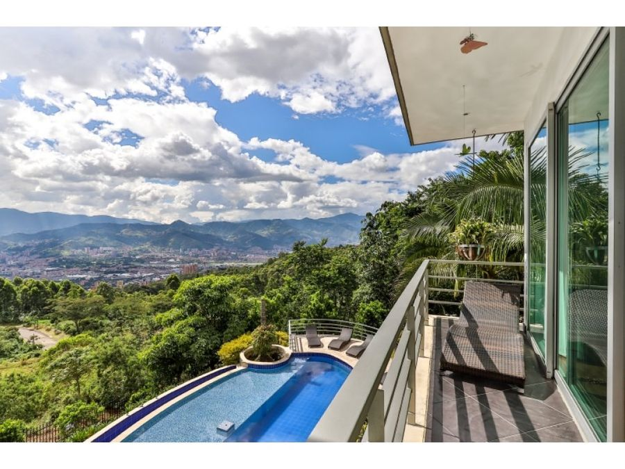 spectacular mansion w pool in las palmas
