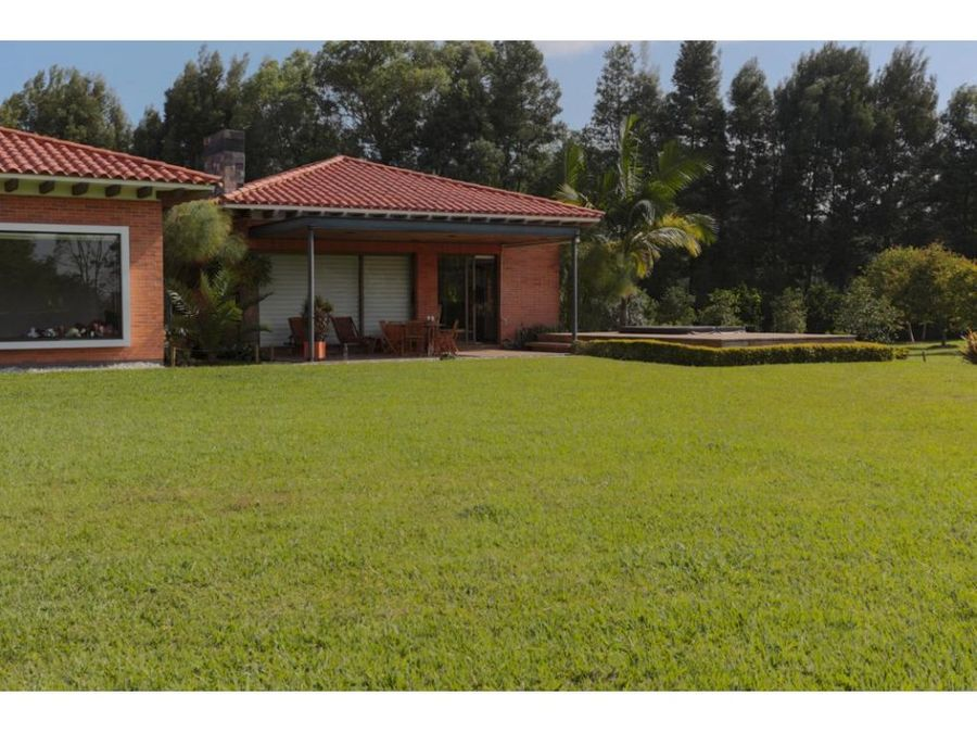 country home w 206667 sq ft lot in llanogrande